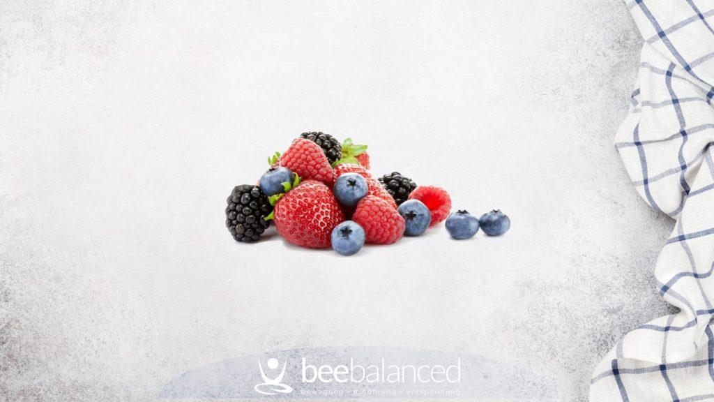 Beeren: Erdbeeren, Brombeeren, Himbeeren, Blaubeeren, Heidelbeeren